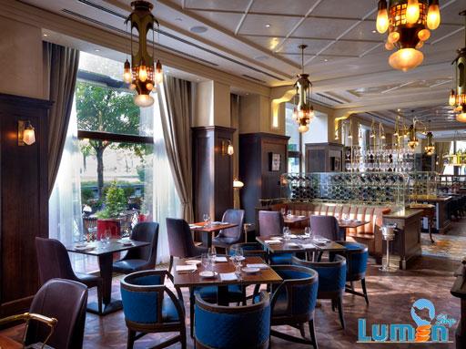 روشنایی طبیعی رستوران